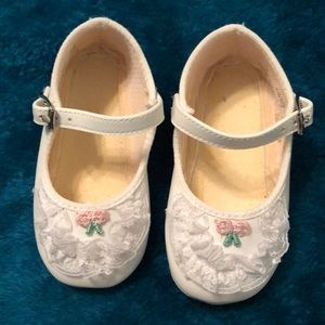 Other - Baby girl Mary Jane Shoes.